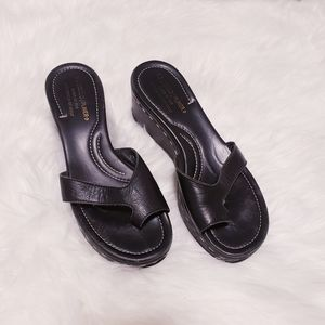 Donald J Pliner black salya sandals. Size 7.5